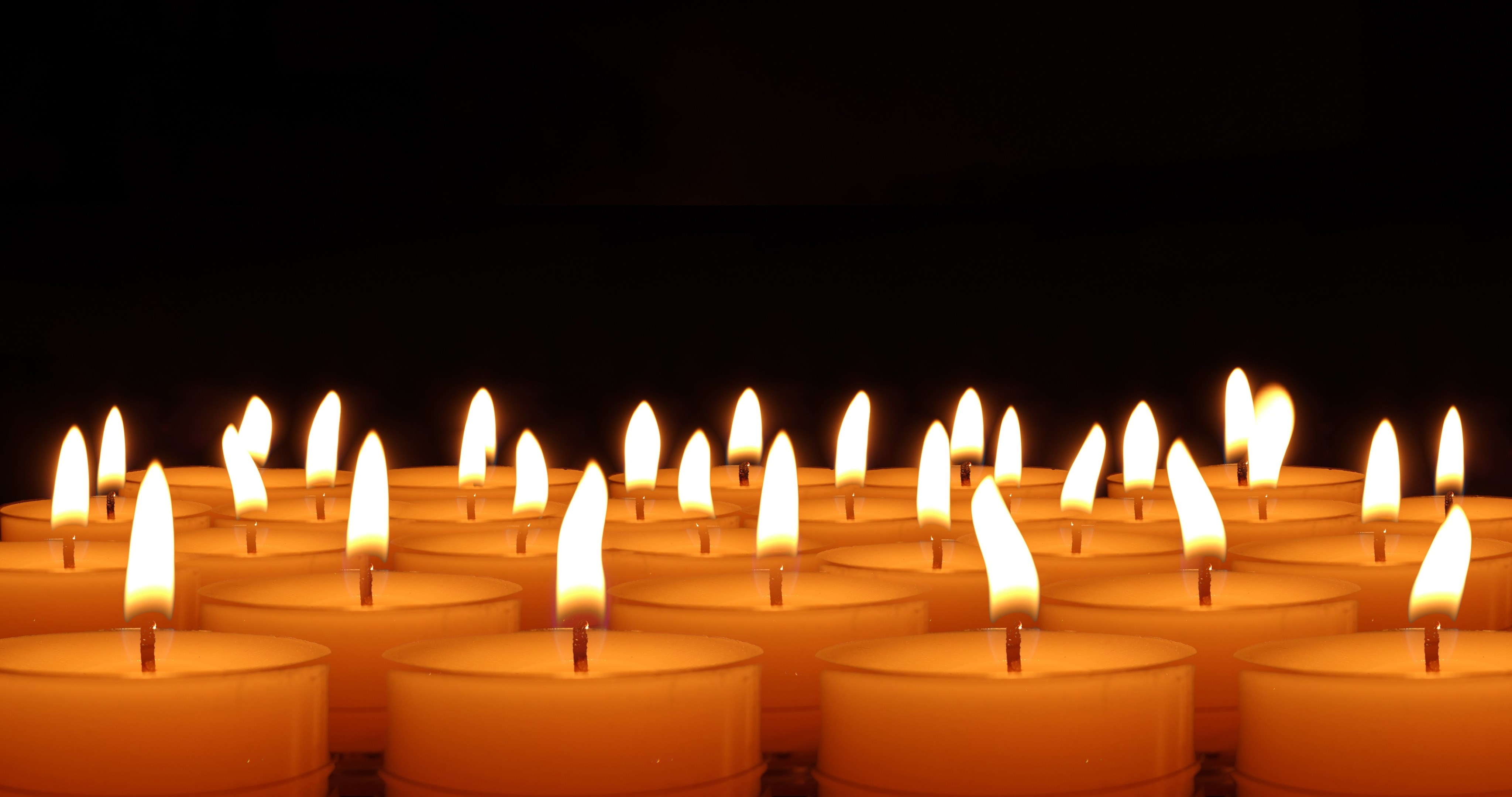 Candles For Christmas 4k Ultra Hd Wallpaper High Quality Walls